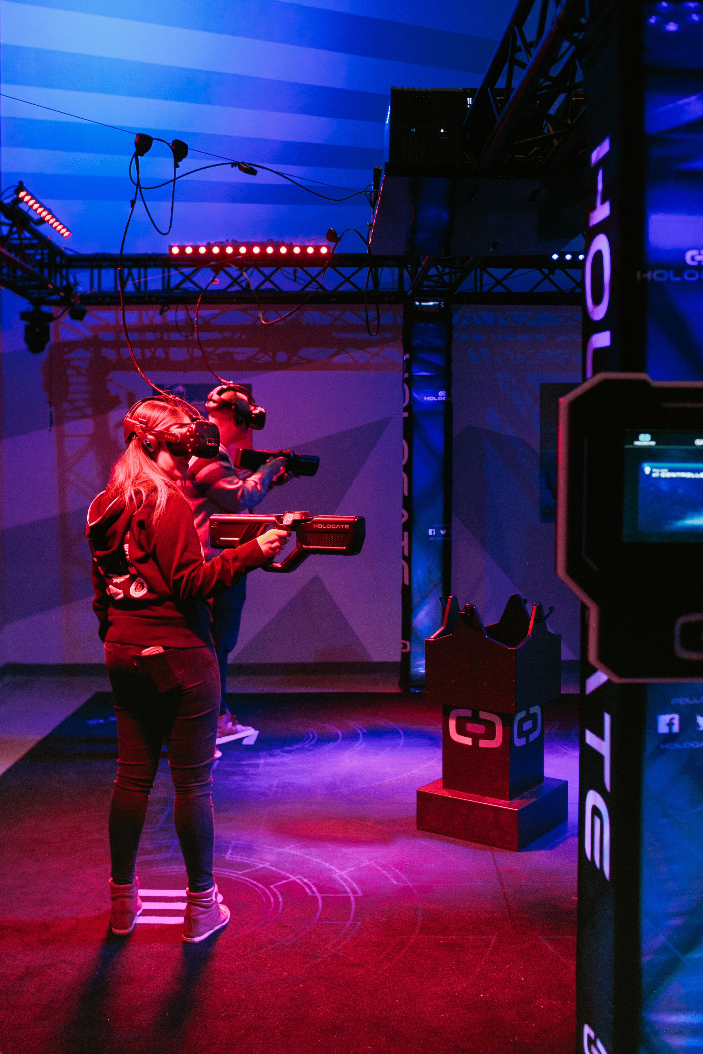 LA-Downtowner-Two-Bit-Circus-4.jpg