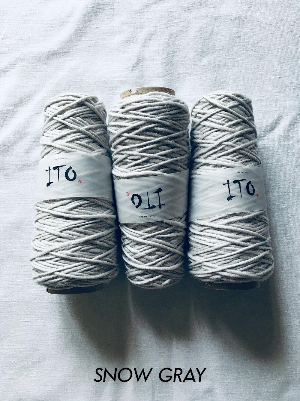 ito_yomo_snow_gray_471_wool_done_knitting.jpg