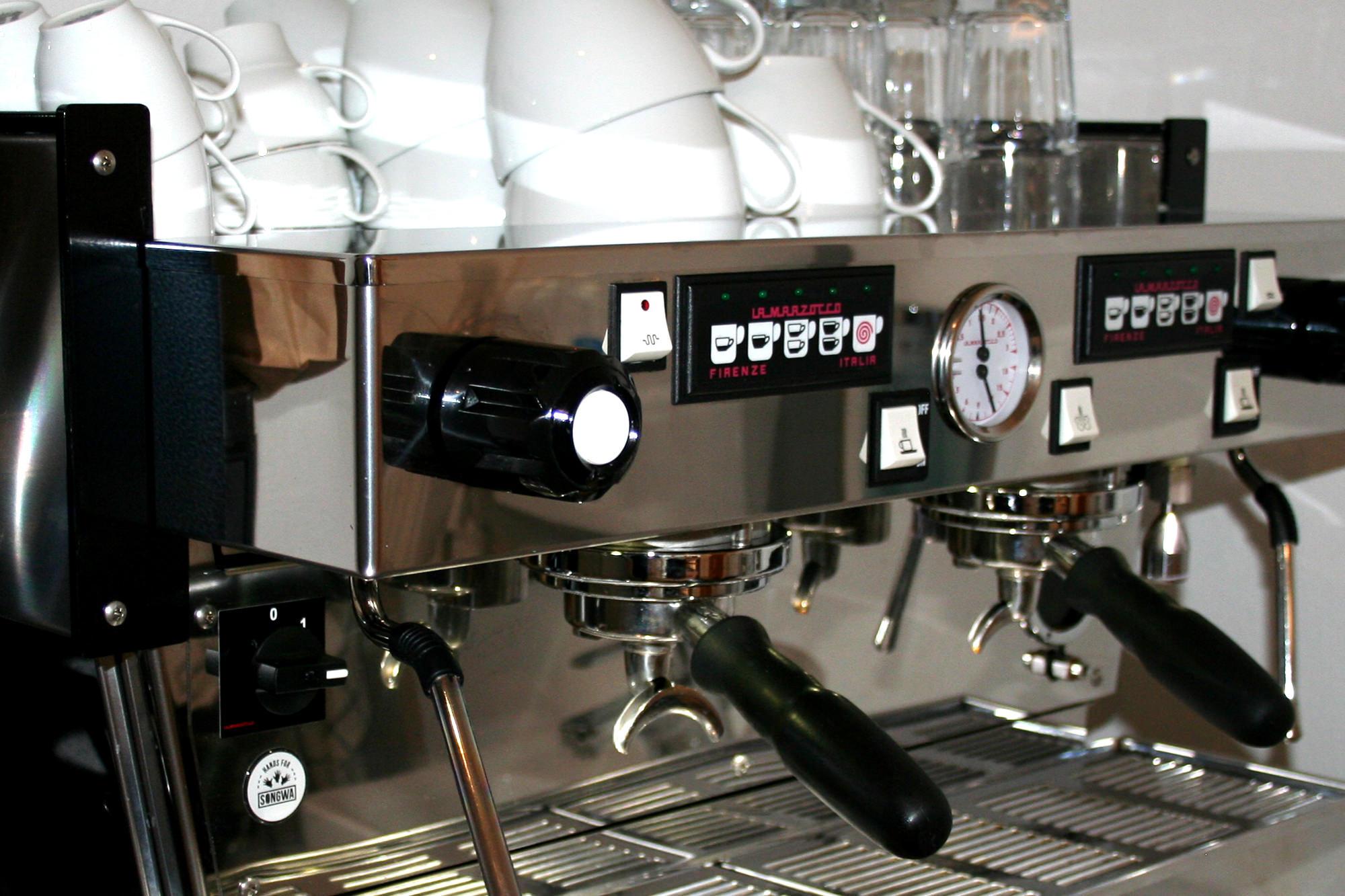 Luftschloesschen_Berlin_Kaffeekreationen.jpg