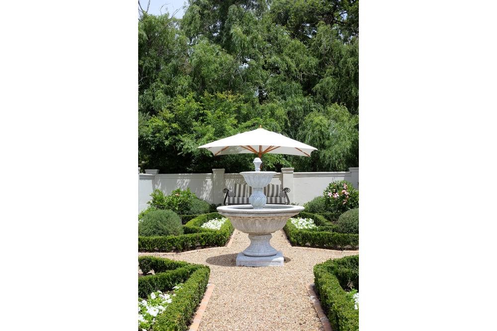 Front Garden Fountain.jpg