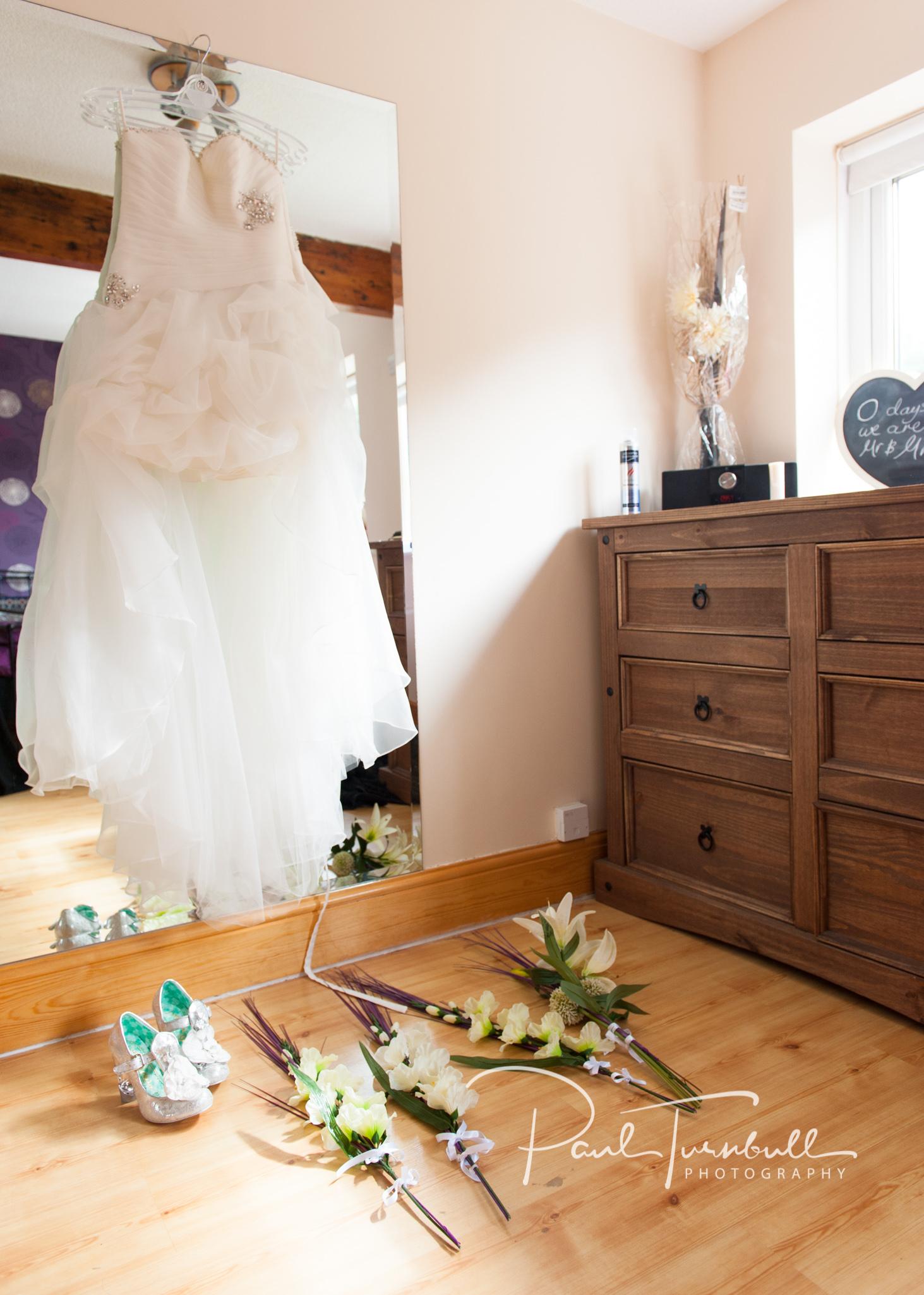wedding-photography-healds-hall-liversedge-yorkshire-005.jpg