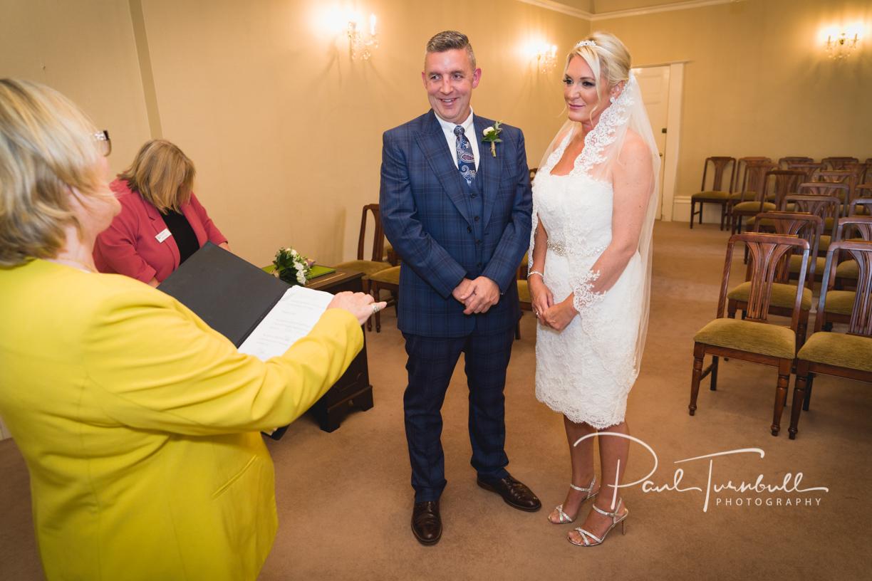wedding-photography-harrogate-register-office-yorkshire-004.jpg
