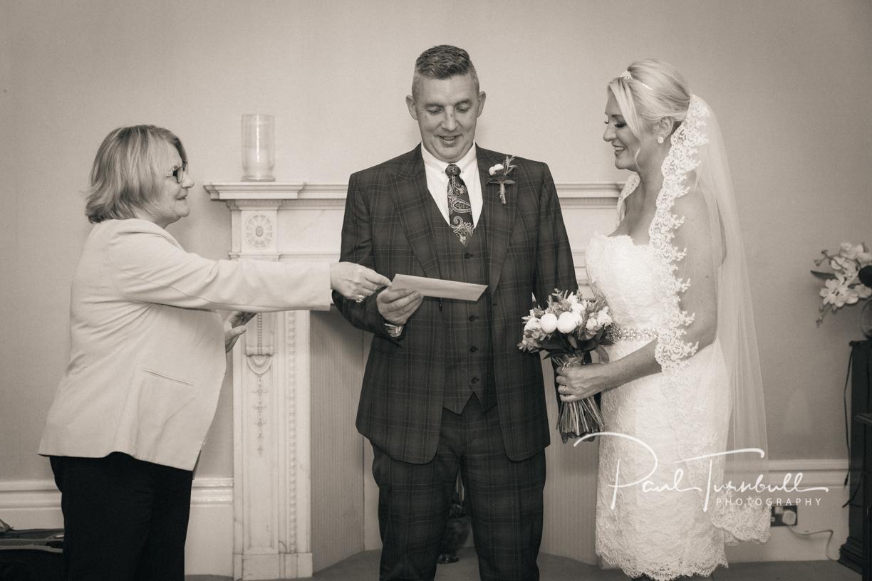wedding-photography-harrogate-register-office-yorkshire-016.jpg