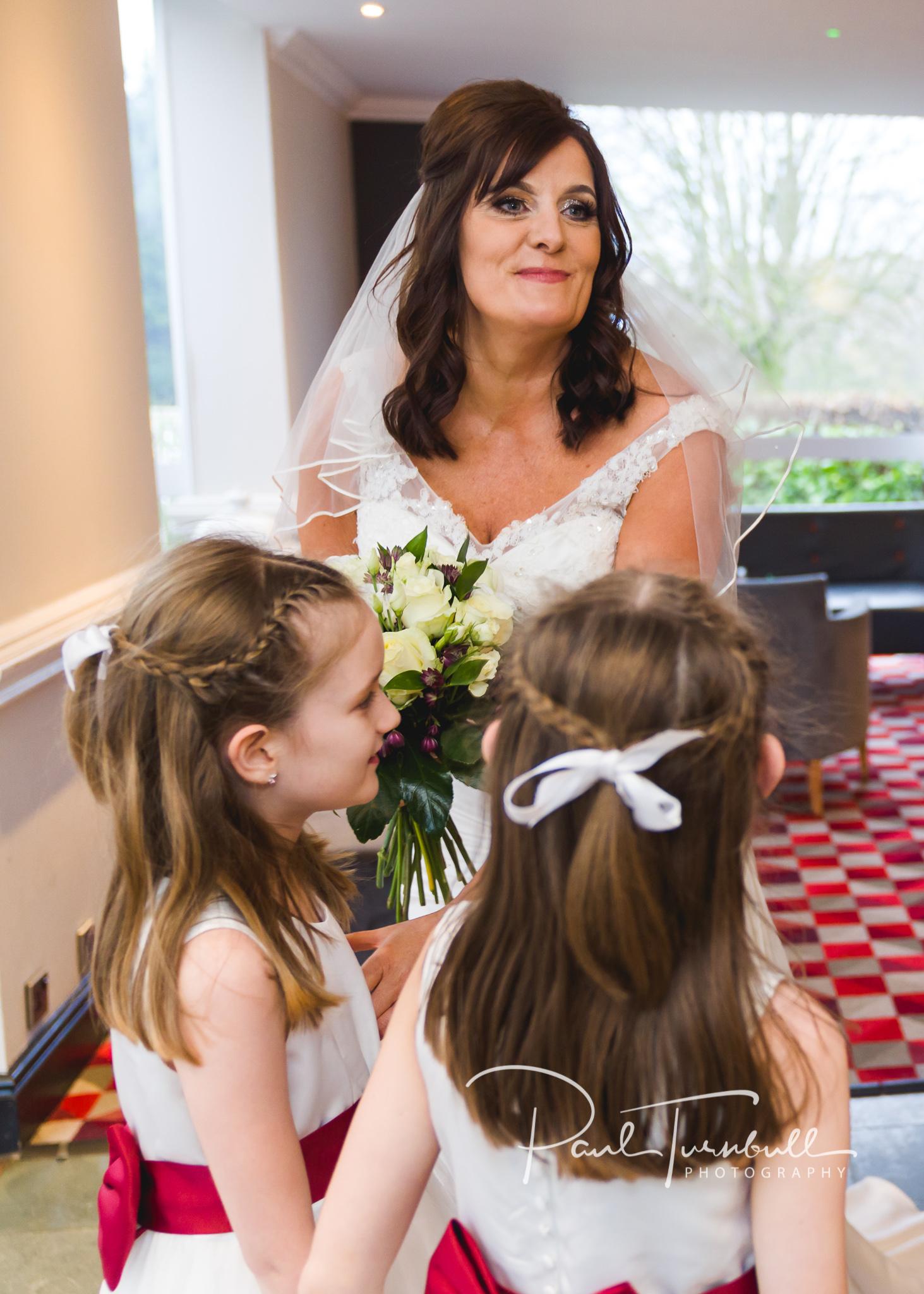 wedding-photographer-leeds-holiday-inn-garforth-022.jpg