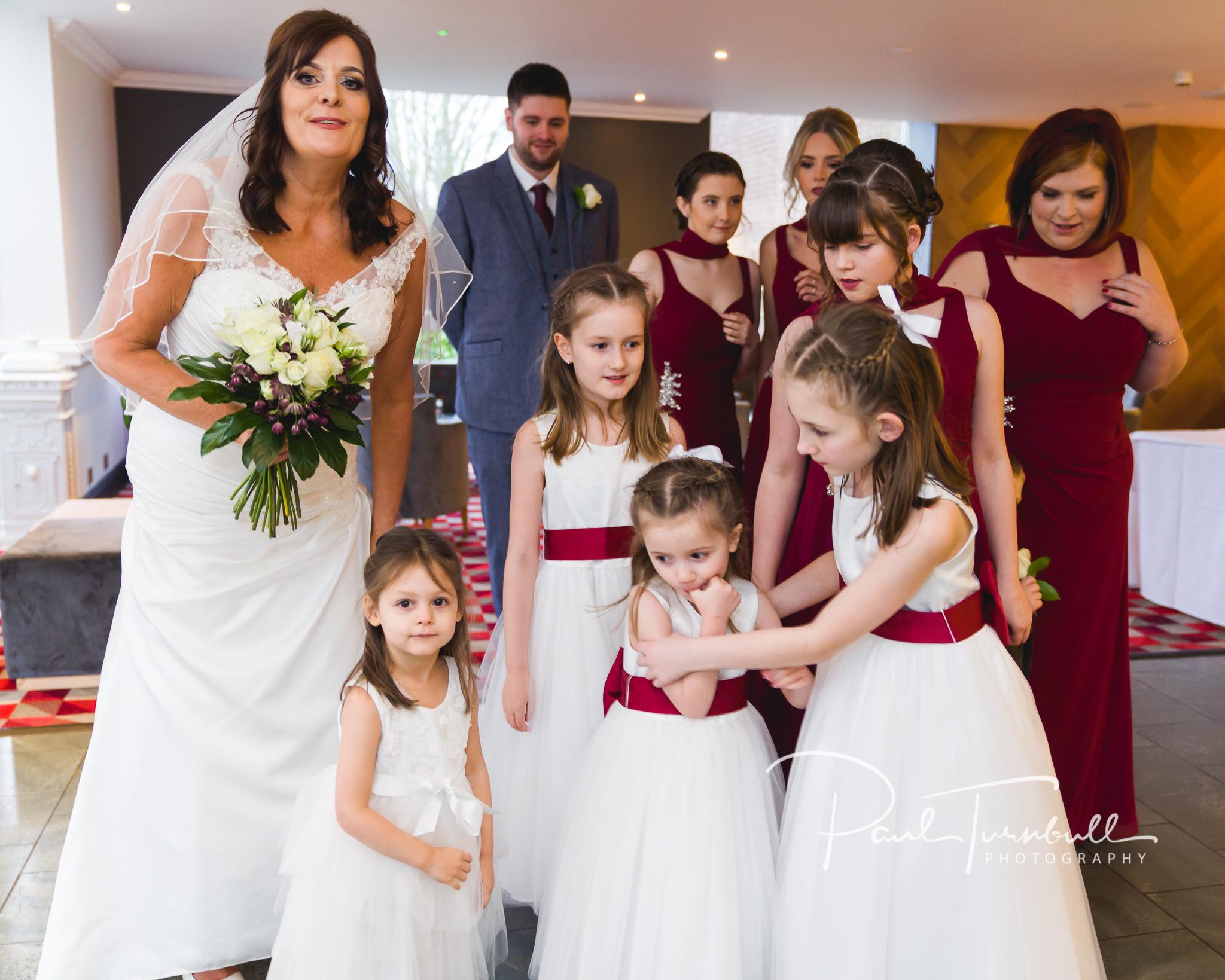 wedding-photographer-leeds-holiday-inn-garforth-023.jpg