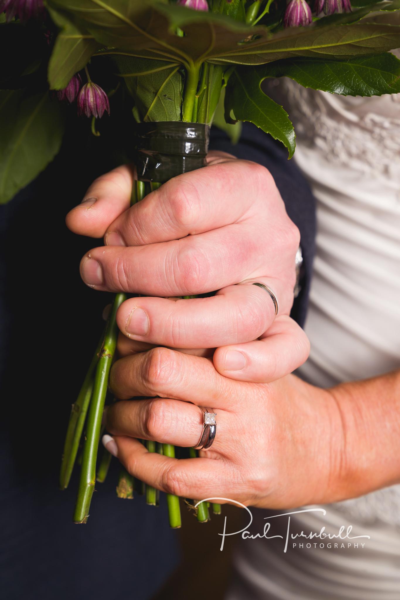 wedding-photographer-leeds-holiday-inn-garforth-042.jpg