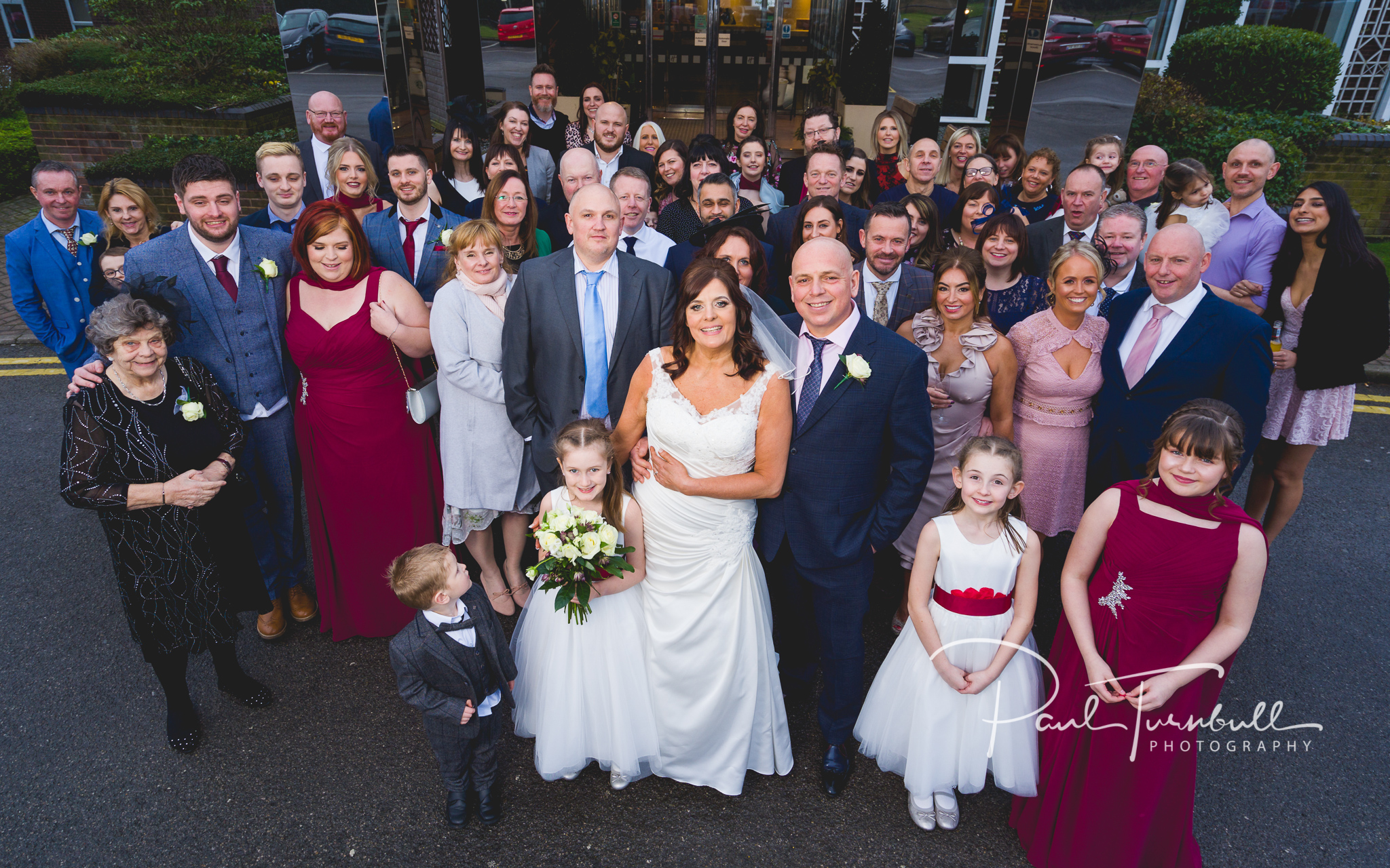 wedding-photographer-leeds-holiday-inn-garforth-045.jpg