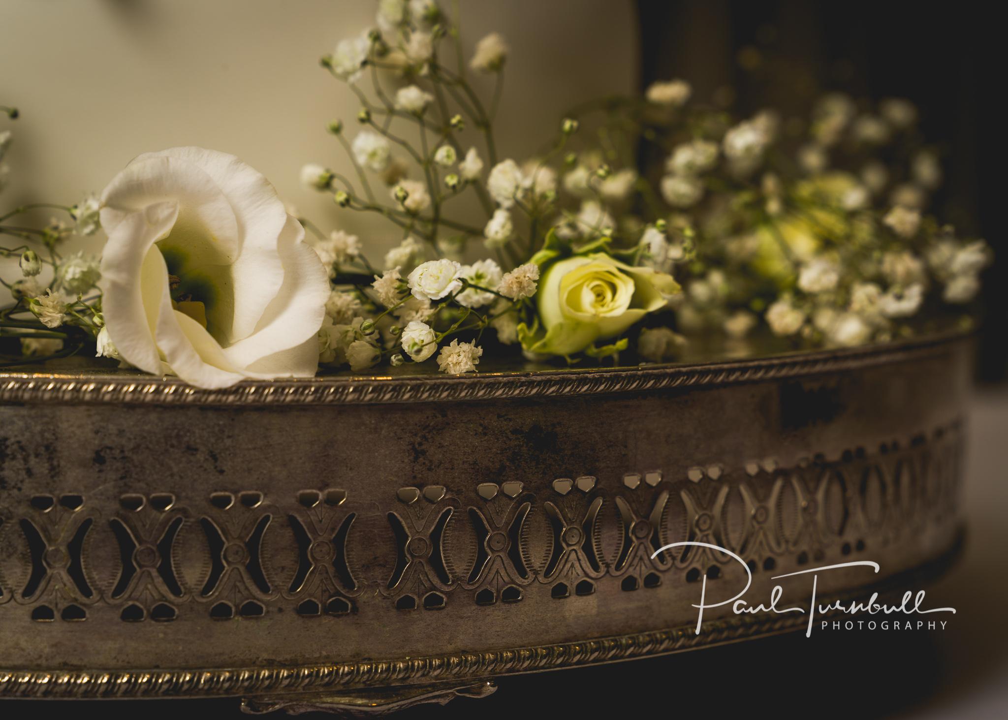 wedding-photographer-leeds-holiday-inn-garforth-050.jpg