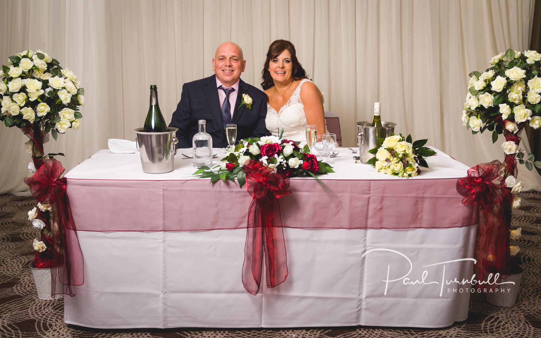 wedding-photographer-leeds-holiday-inn-garforth-062.jpg