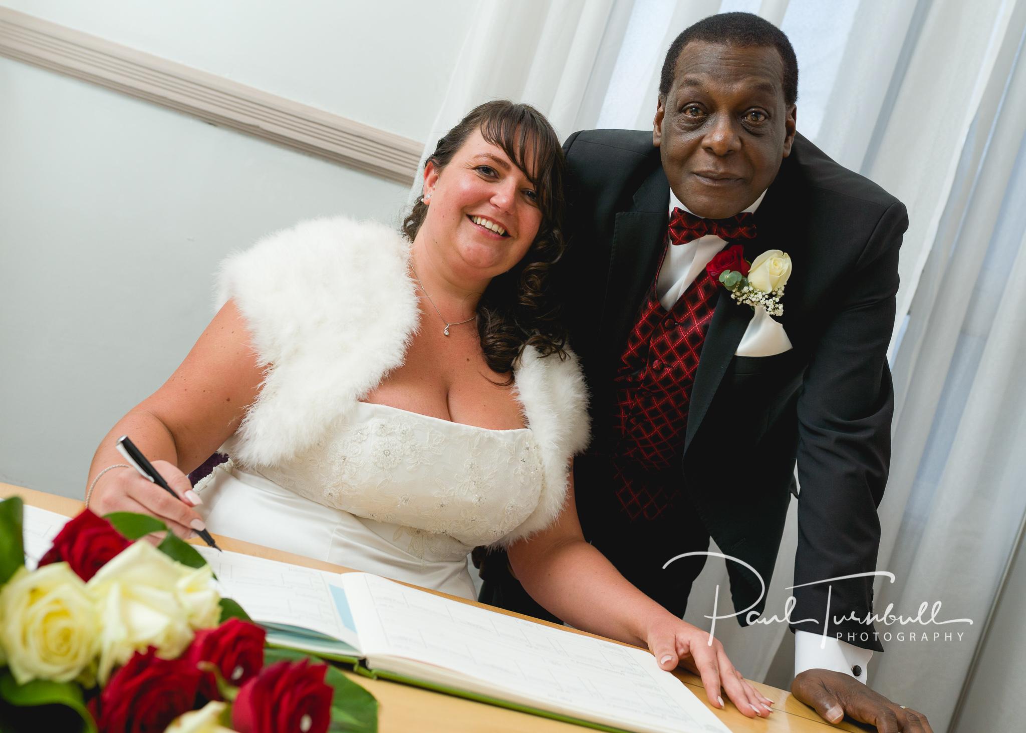 wedding-photographer-leeds-town-hall-027.jpg
