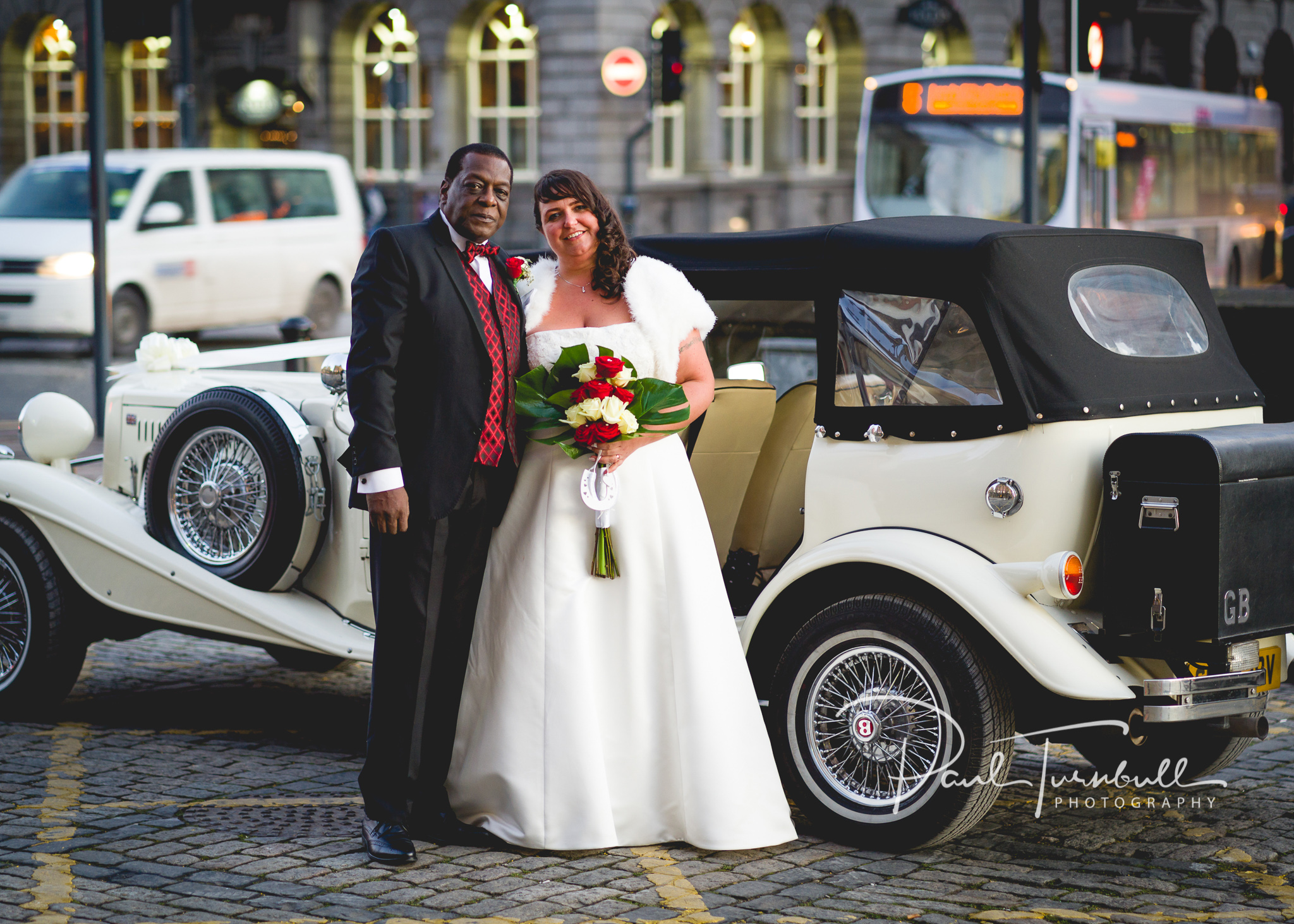 wedding-photographer-leeds-town-hall-030.jpg