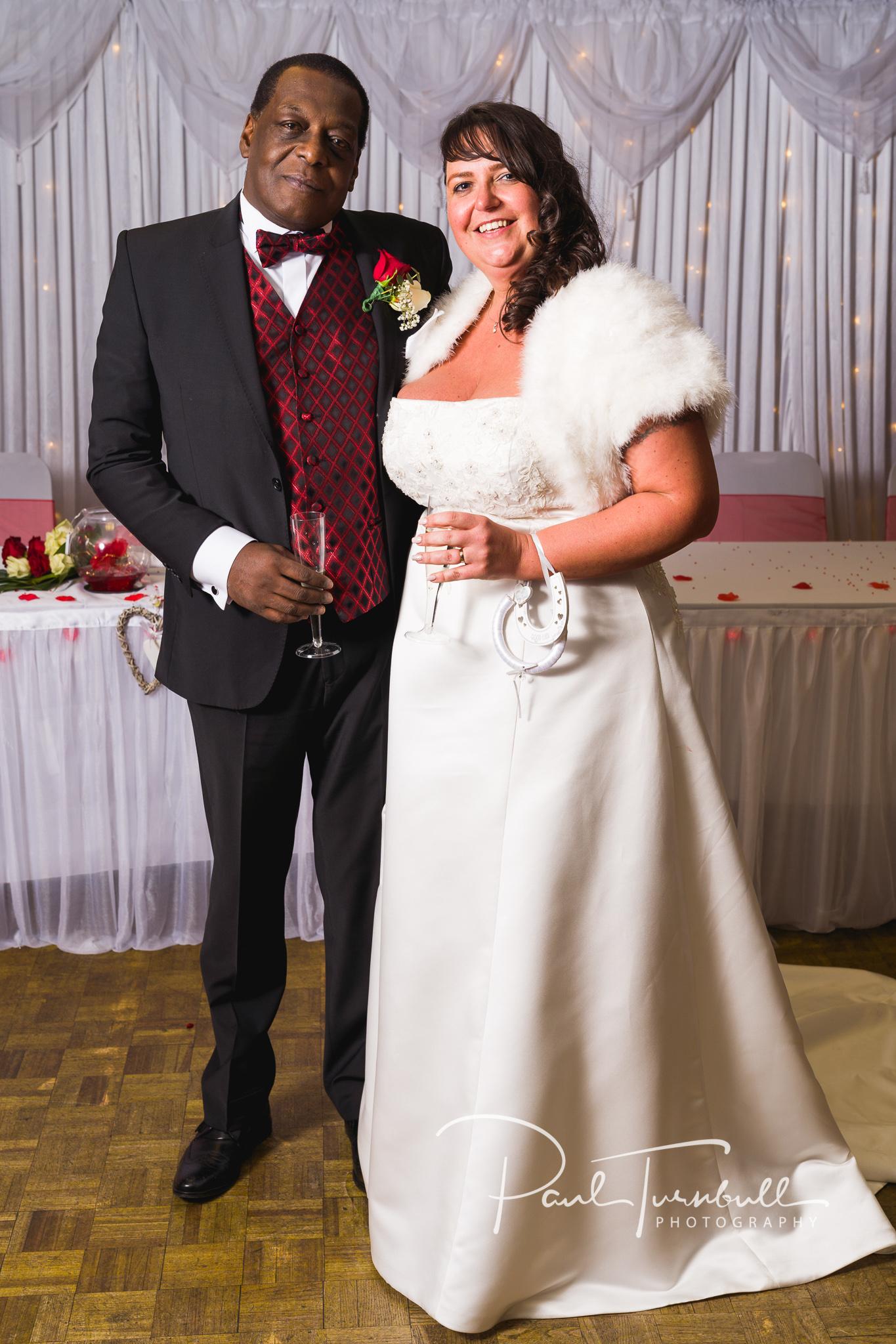 wedding-photographer-leeds-town-hall-033.jpg