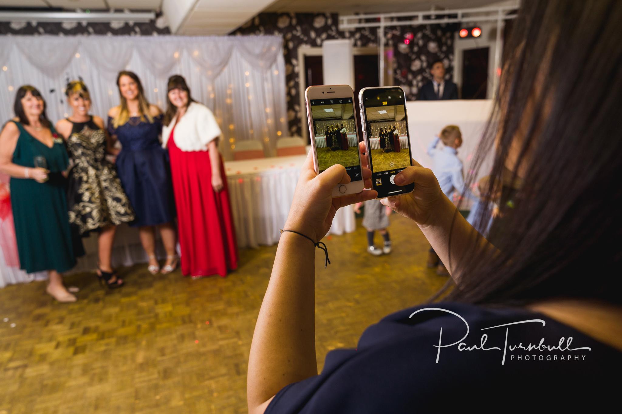 wedding-photographer-leeds-town-hall-034.jpg