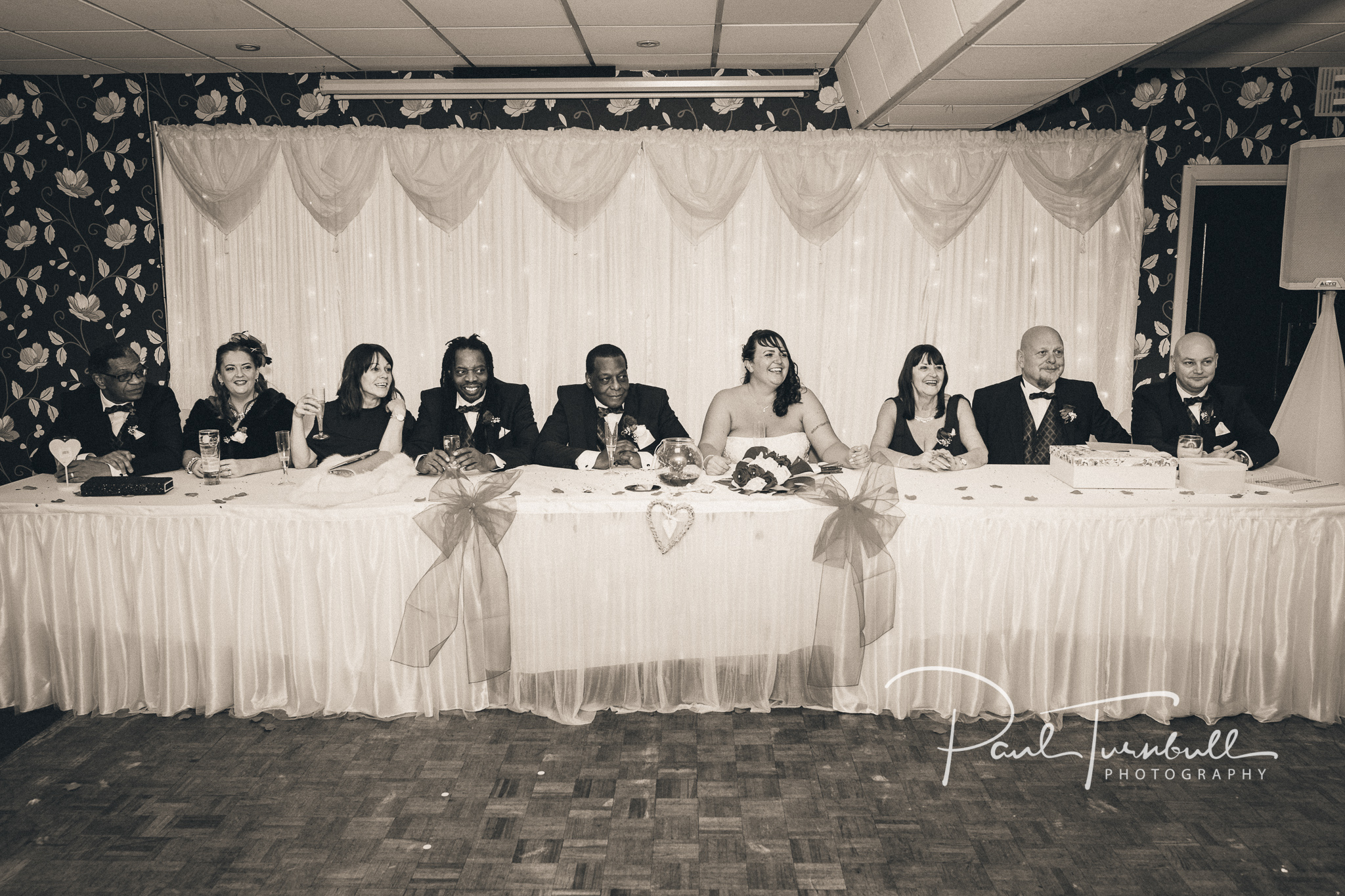 wedding-photographer-leeds-town-hall-038.jpg