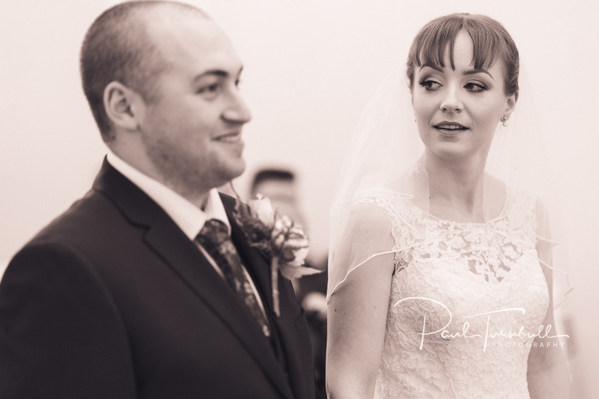 wedding-photographer-pontefract-yorkshire-laura-keanu-032.jpg
