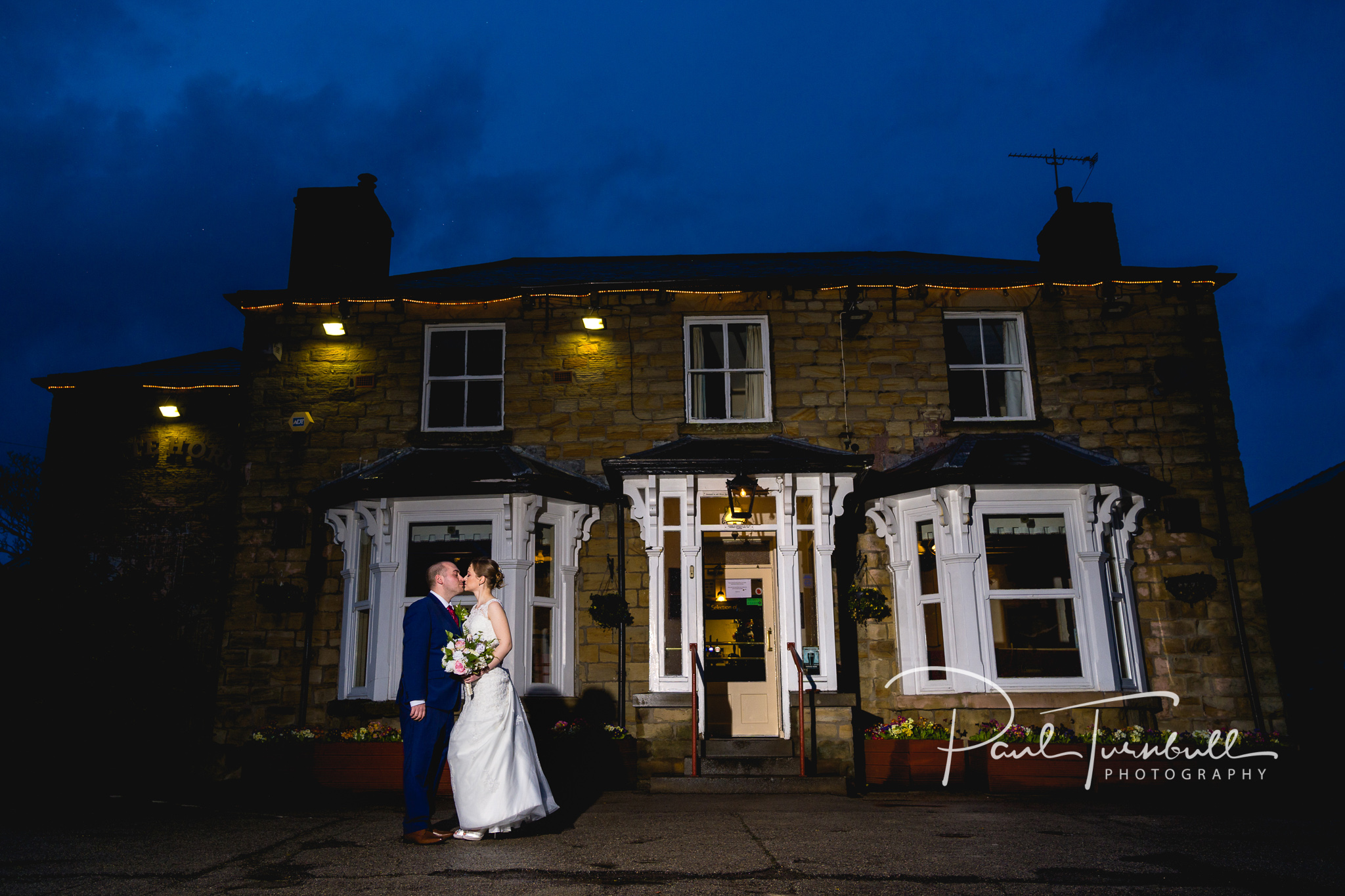 Laura & Keanu - Pontefract Town Hall, Yorkshire