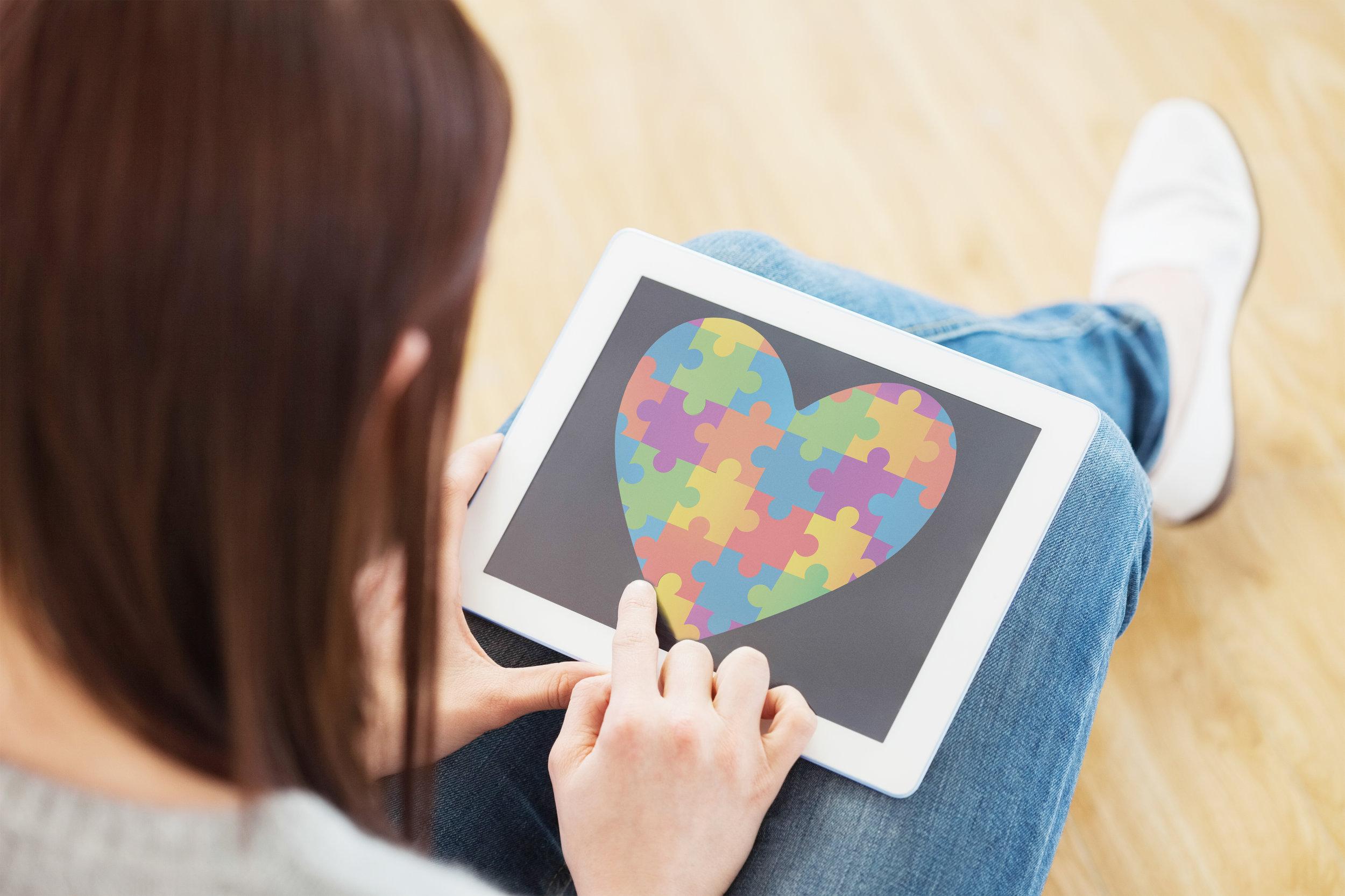 bigstock-Girl-using-a-tablet-pc-sitting-89387945.jpg