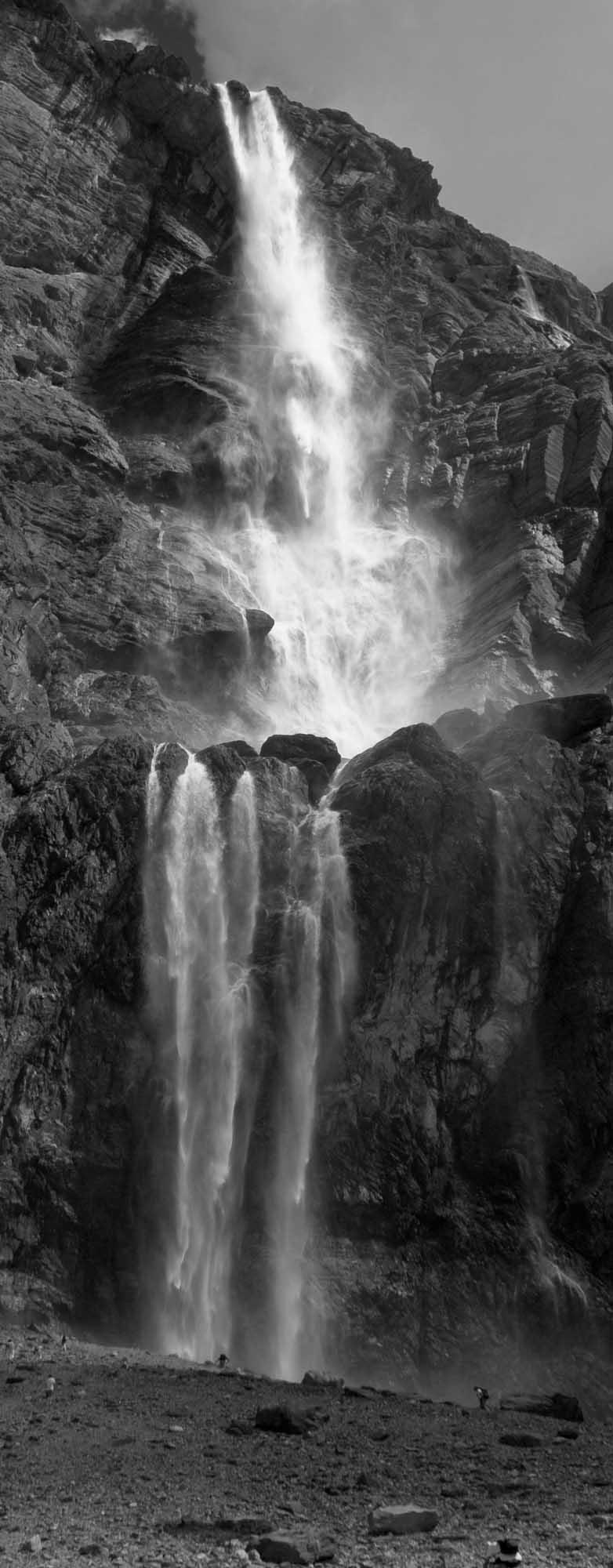 Waterfall 1 Cirque de Gavarnie.jpg