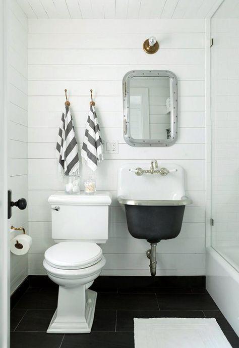2d96a0ce586cfb3e35ae7351aa3f15e4--plank-wall-bathroom-beach-house-bathroom.jpg
