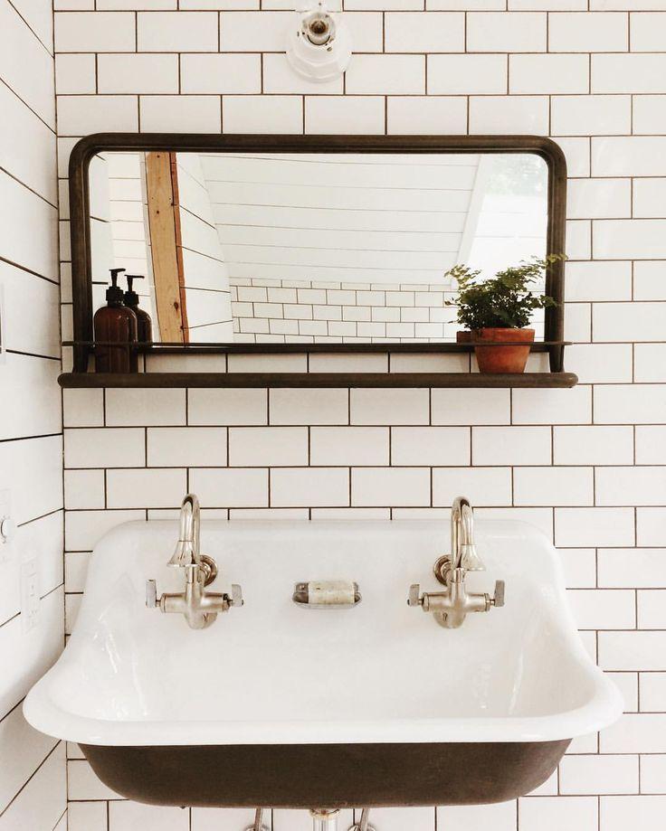 fc56a1218ab3b56db67c18cb0c1f36dd--pharmacy-mirror-bathroom-bath-mirror.jpg