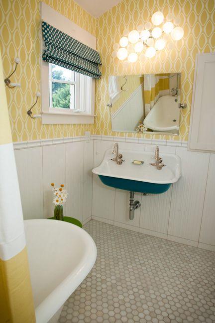 f36b6b5992bfce00b195059882b2d872--little-girl-bathrooms-teal-bathrooms.jpg