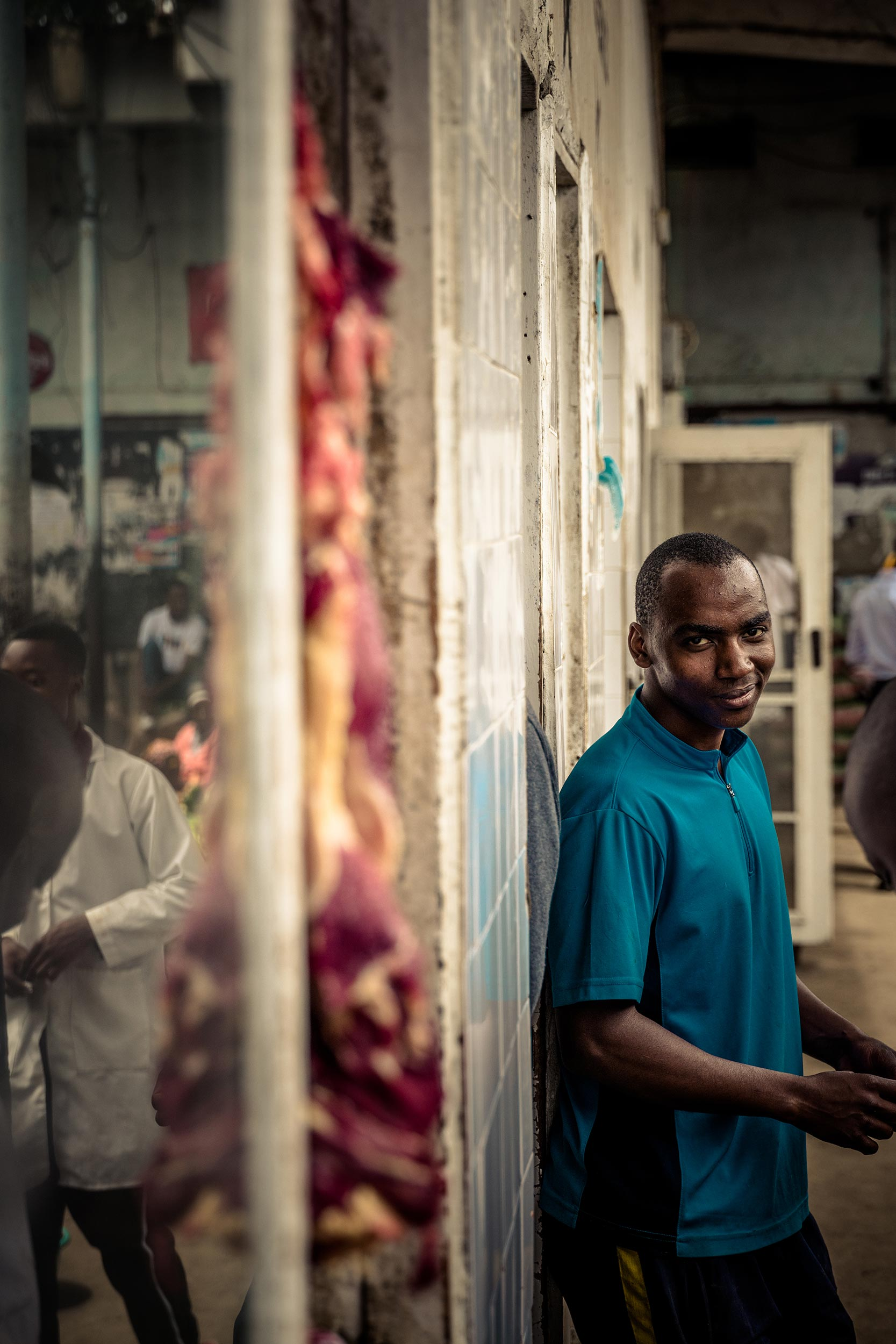 Untold-journal_Tanzania_market-butcher.jpg