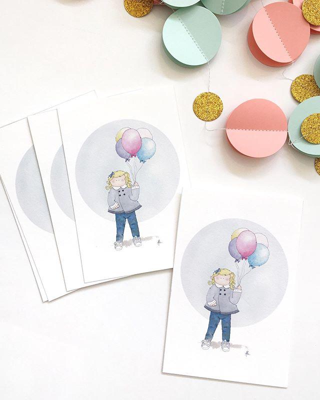 """Invitaciones personalizadas para Amelia en su cumpleaños número 2! 💕 . . """"#cumpleaños #birthdaycarddesign #acuarela #watercolor #watercolorillustration #tarjetaspersonalizadas #carddesign #2years #hechoamano #handmade #handmadecards"""