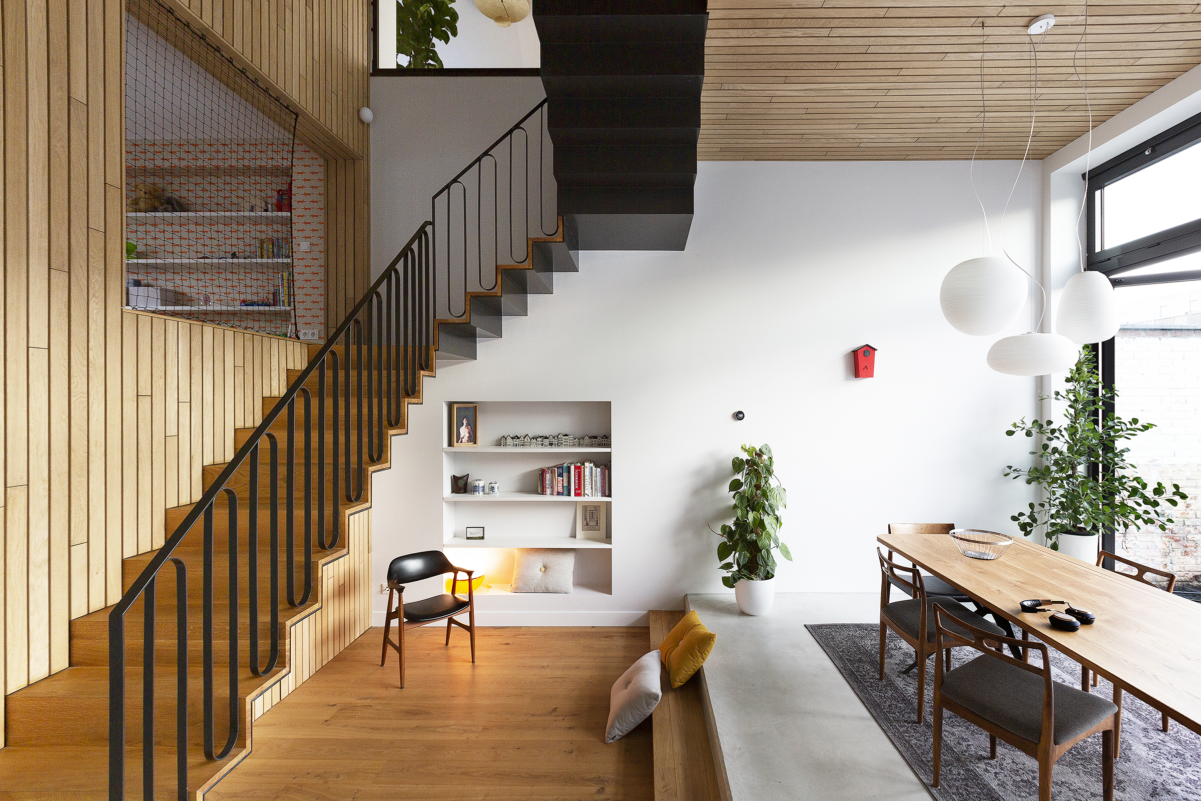 a spectacular connection   merger and transformation of two apartments into a spacious family house