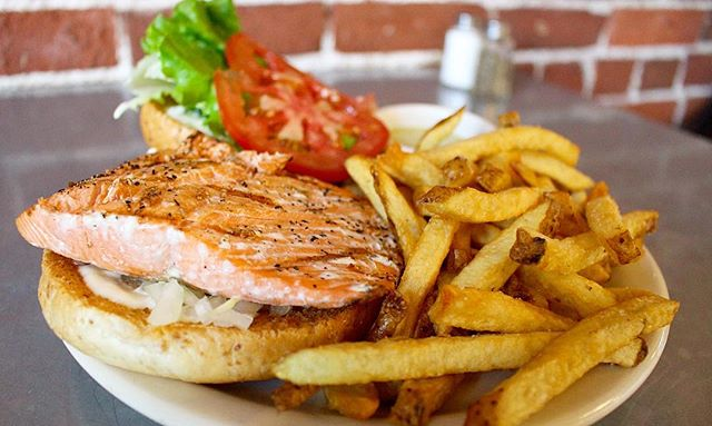 Alaskan Salmon! Perfect choice for fish & chips! #pdx #digin