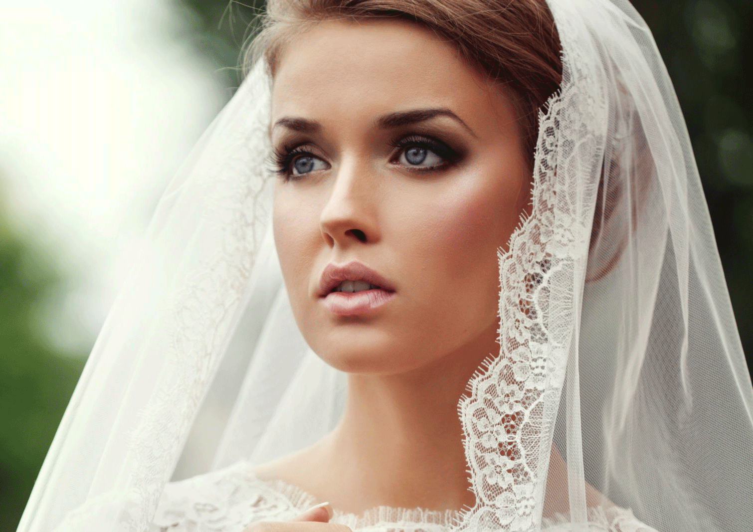 Perfect Bridal - Achieve a flawless, more perfect version of yourself. This lesson involves exploring bridal make-up & hair design. I will help you realise your vision and provide expert guidance on how to showcase a bride's personality. Let me share with you behind the scenes secrets to ensure you are the leading lady on your big day. We will explore both bridal hair and make-up and I will help you design your perfect wedding day look.Course Details-Tailor made to your individual skill level and requirements- 4.5 hr lesson- In a location of your choice or at my address in North london- 1 to 1 course