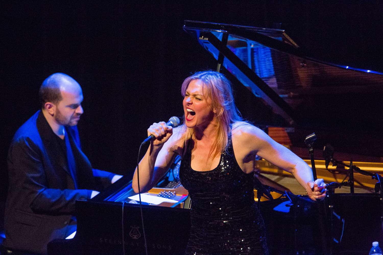live event photography singer and pianist