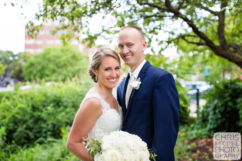 bride groom outdoor portrait