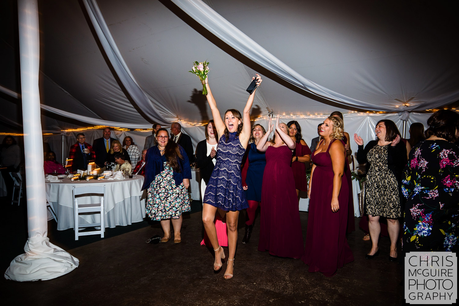 bouquet toss and catch