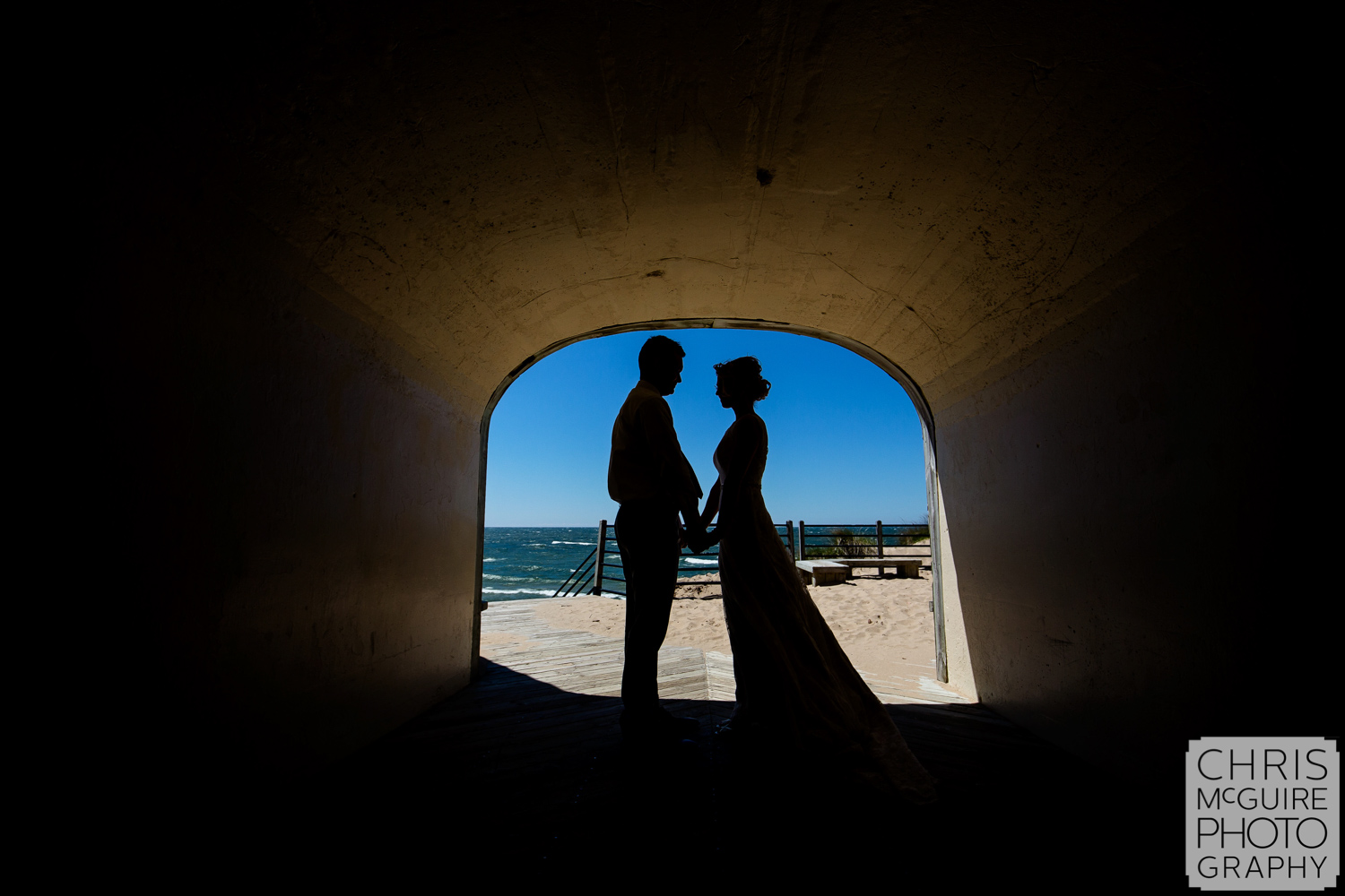 bride groom in tunnel first look peoria il