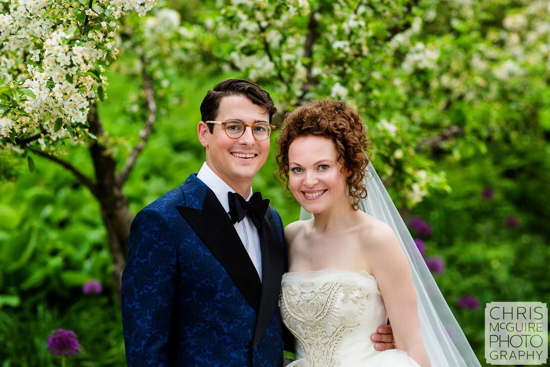 bride and groom portrait at Chicago Botanic Gardens