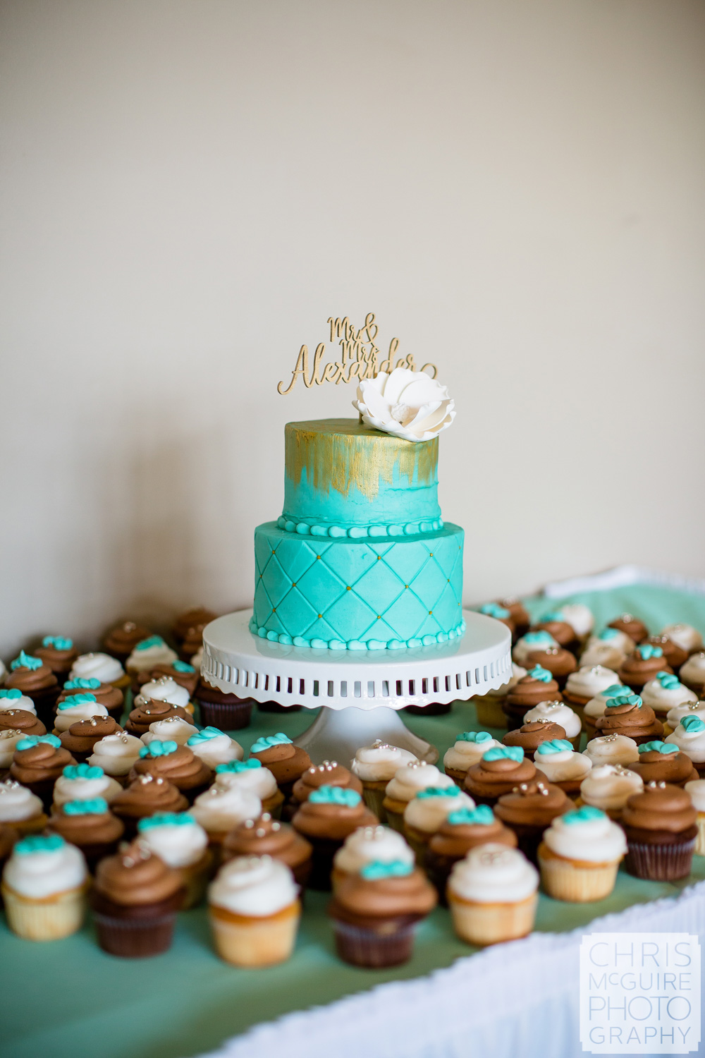 Janet's Cake and Catering wedding cake