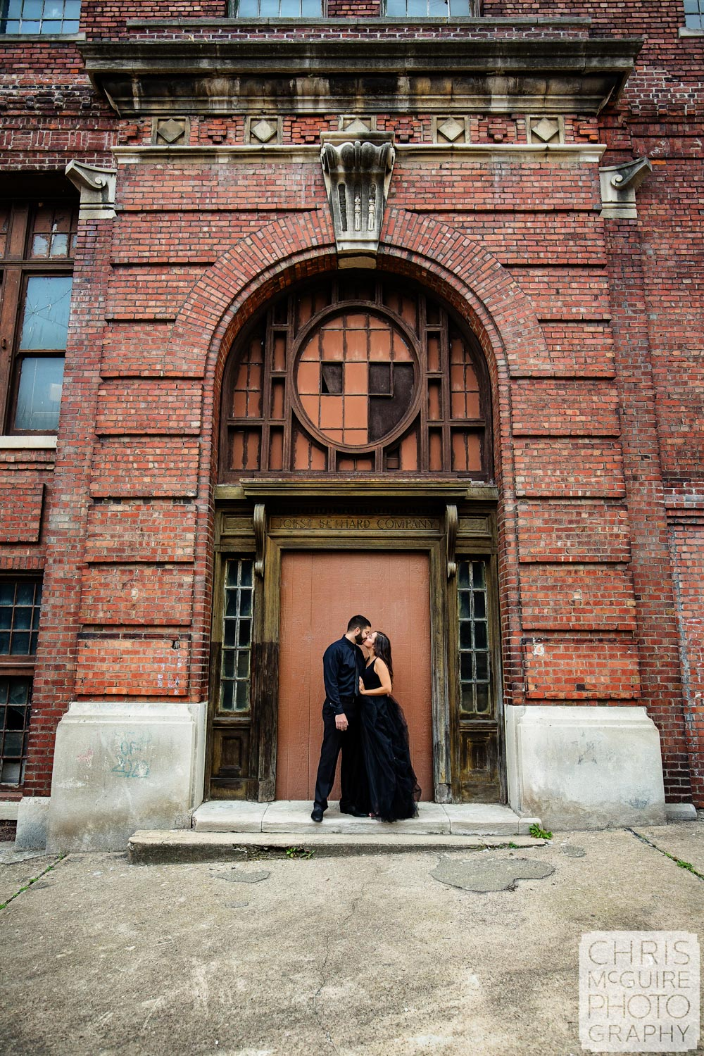 Peoria Engagement Session, Warehouse District kiss