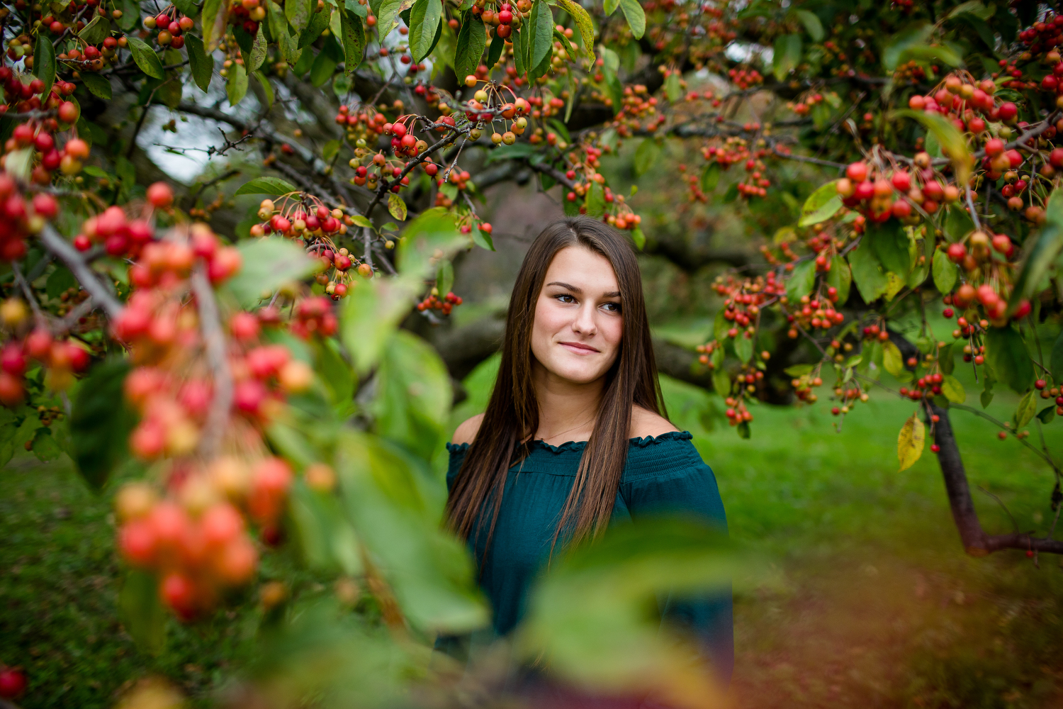 Senior pictures with crabapple tree