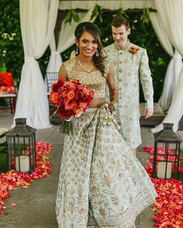 Still swooning over Thomas and Smita's May wedding full of color and details! 💕 📸 @abbycoyle