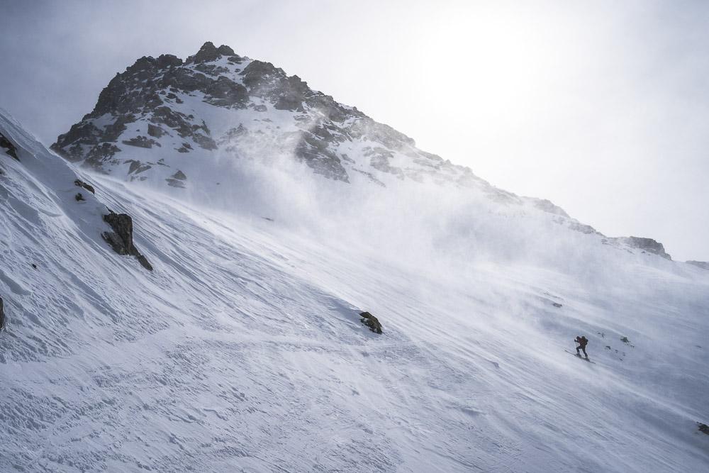 Aufstieg am steilen Westhang der Dreiländerspitze (3197m)