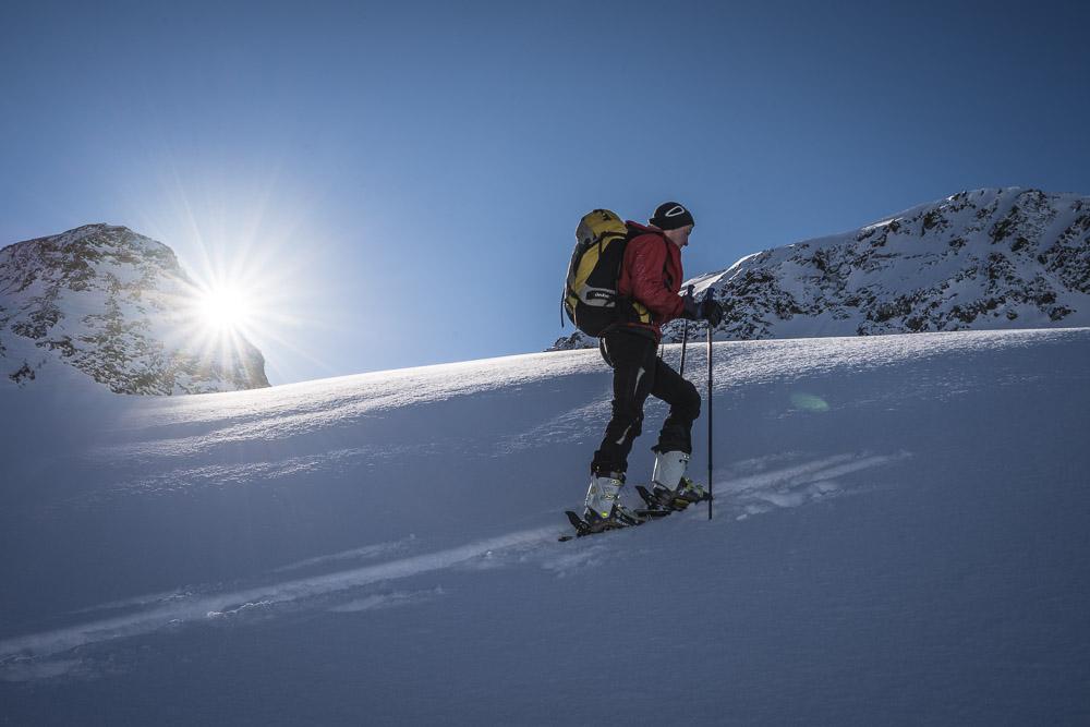 Die ersten Sonnenstrahlen auf dem Klostertaler Gletscher