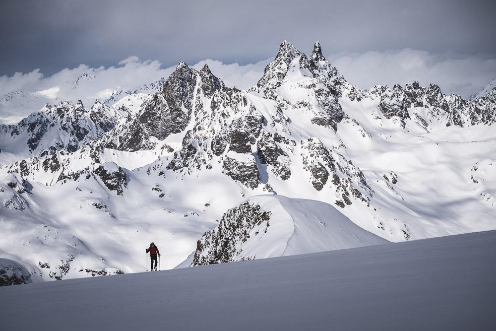 Perfekte Aussicht über die Silvretta - im Hintergrund Großer Litzner und Großes Seehorn