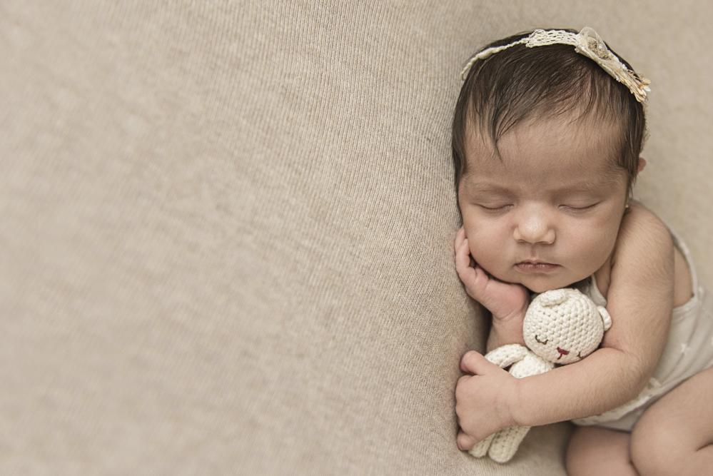sesiones-recién-nacidos-montevideo-uruguay-madres-bebes-new-born-pati-matos (47).jpg