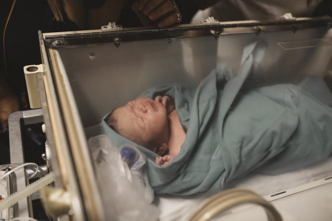 nacimiento-sanatorio-pati-matos-uruguay-fotografia-documental-montevideo-española-sanatorio0933.jpg