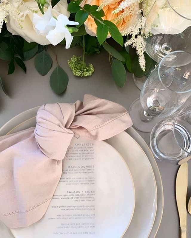 A proper knot. The finishing touch to an outfit or your table scape. #styleintentionnel