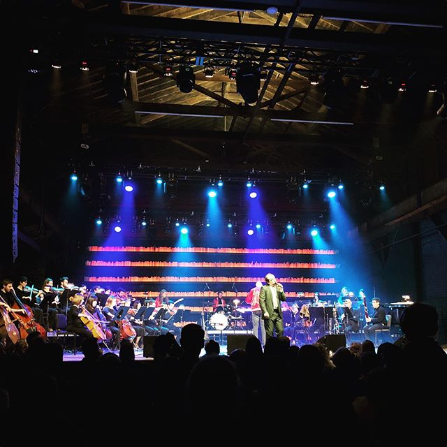 Congratulations to @harmarsuperstar and @qcsymphony on a great show last night. This is a venue you've gotta see to believe! 🎶