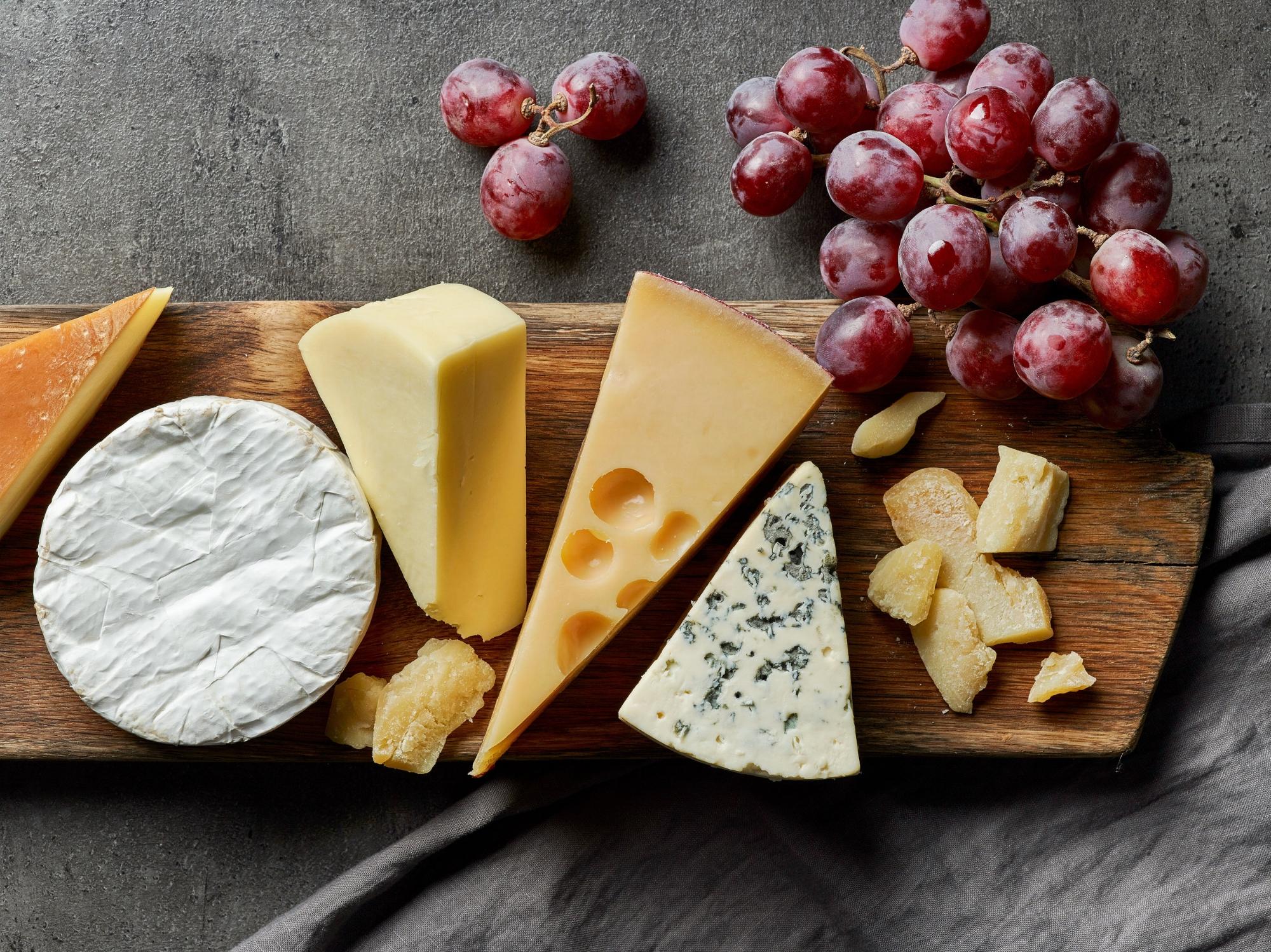 Juusto - Tuotteita mozzarellasta vuohenjuustoon ja erilaisiin juustoraasteisiin
