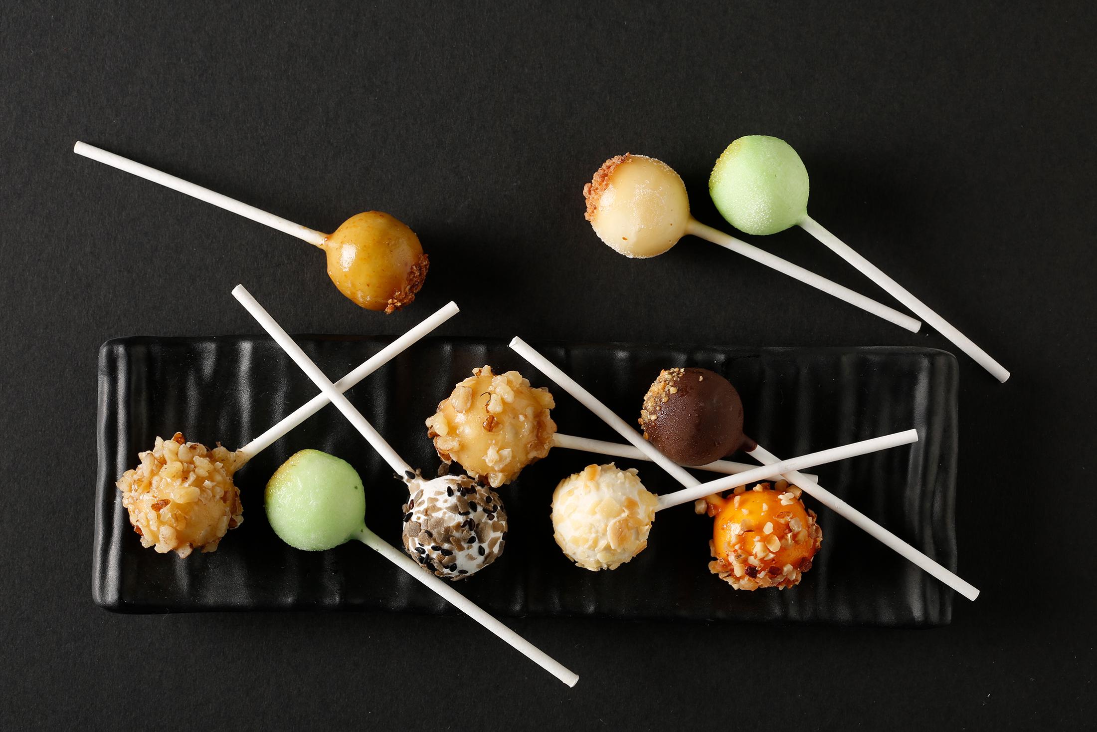 Familia Pro Luxury Tapas Lollipops 001.jpg