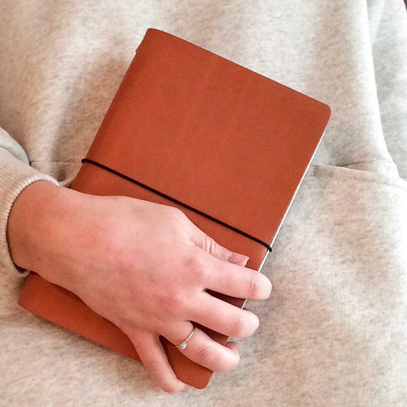 Agenda und Notizbuch in einem mit austauschbarem Inhalt von  Fin Projects