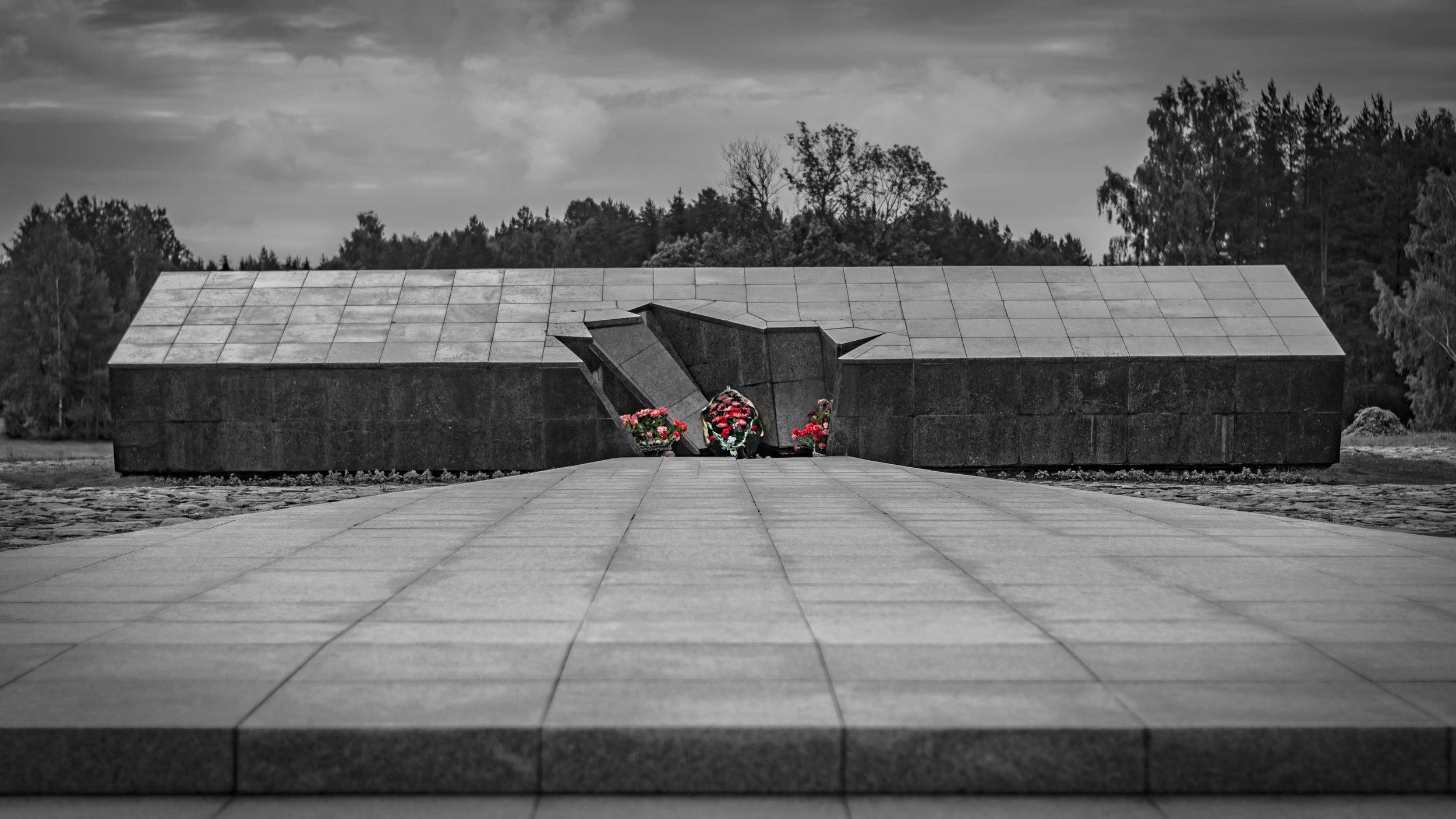 Belarus_Holocaust_Memorial2.jpg